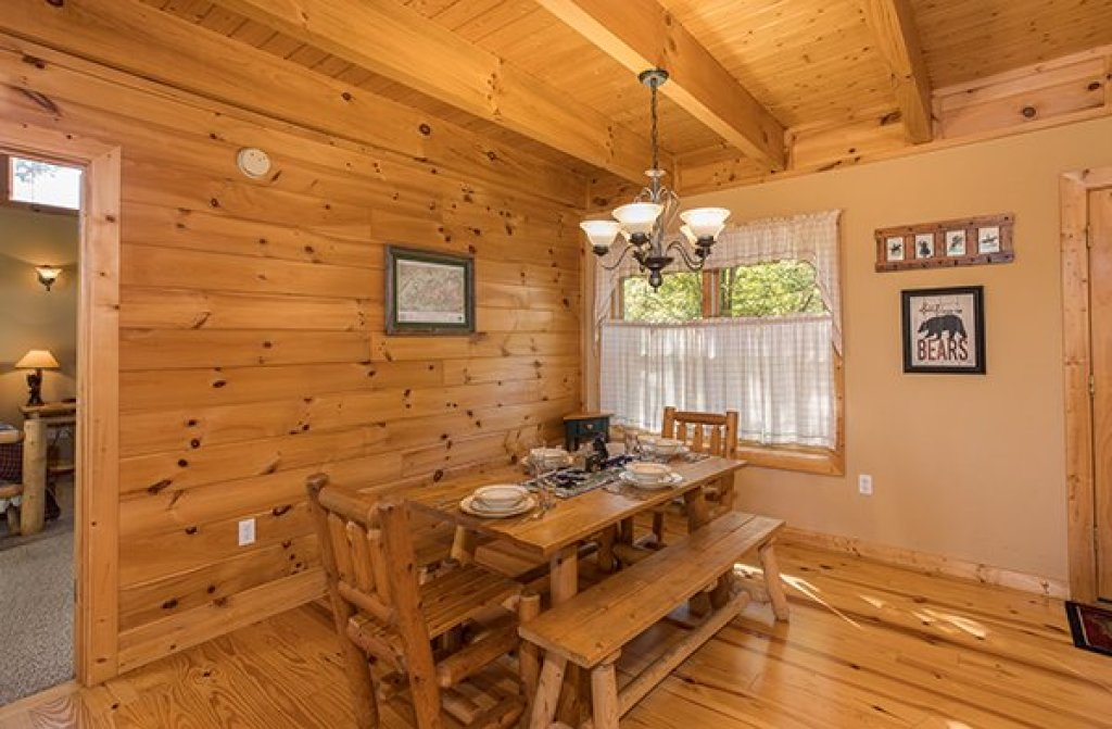 Photo of a Sevierville Cabin named Mountain Valley Hideaway - This is the fourth photo in the set.