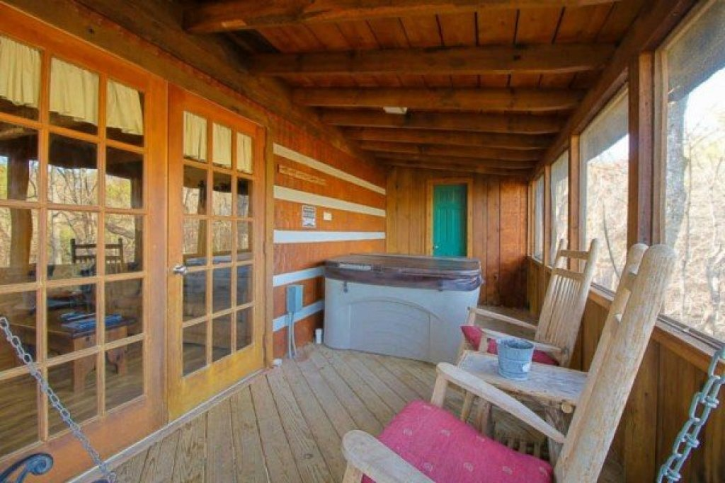 Photo of a Sevierville Cabin named Trails End - This is the seventh photo in the set.