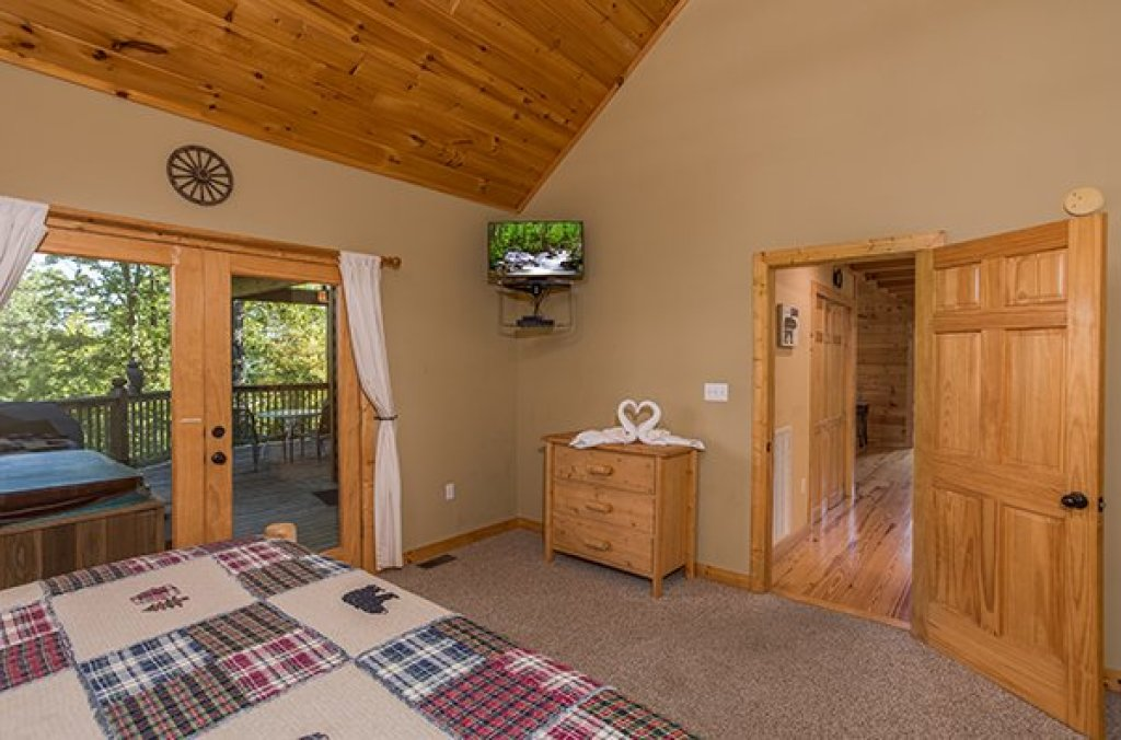 Photo of a Sevierville Cabin named Mountain Valley Hideaway - This is the thirteenth photo in the set.