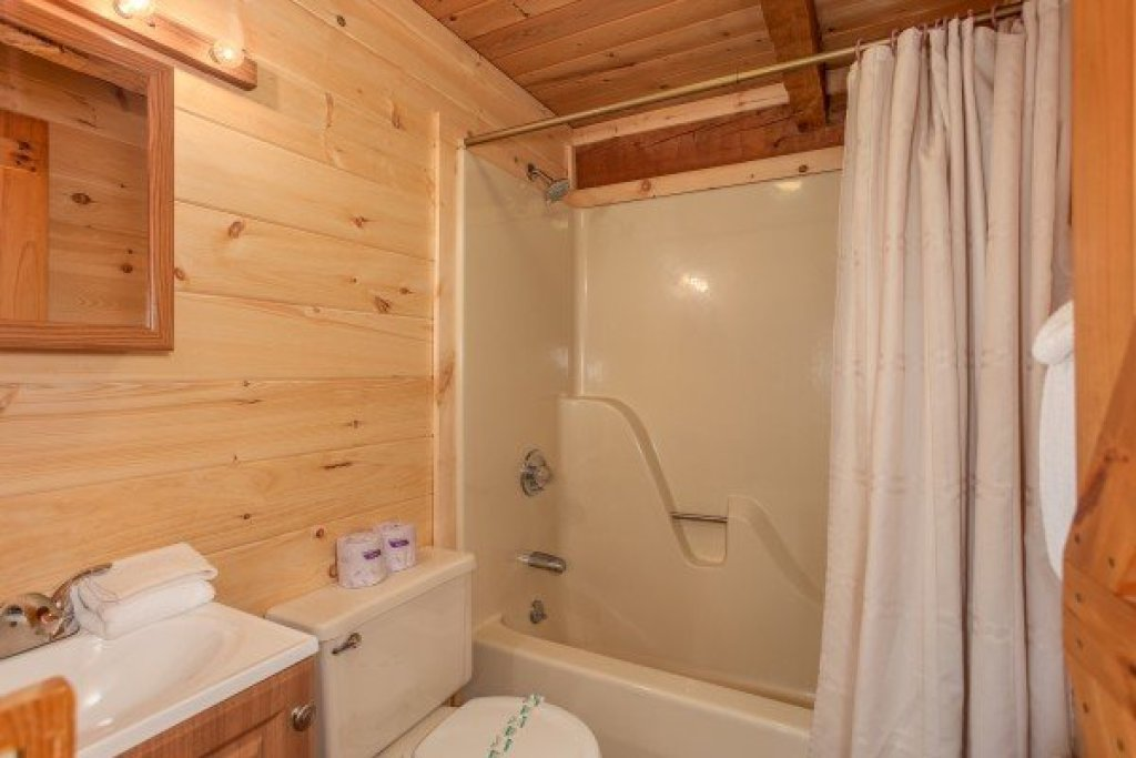 Photo of a Sevierville Cabin named Trails End - This is the twelfth photo in the set.