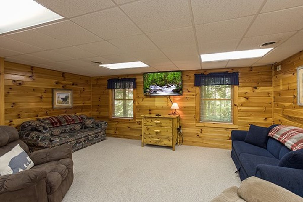 Photo of a Pigeon Forge Cabin named Saw'n Logs - This is the thirteenth photo in the set.