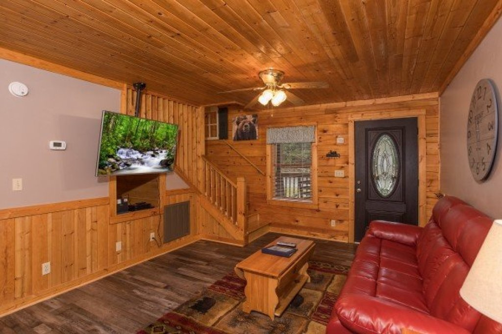 Photo of a Pigeon Forge Cabin named Timber Creek - This is the sixth photo in the set.