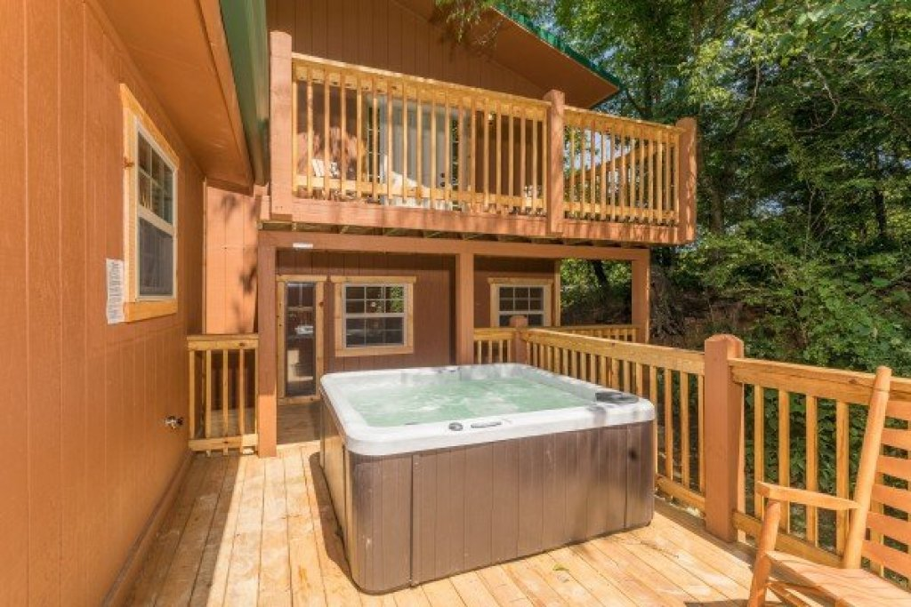 Photo of a Pigeon Forge Cabin named Grill & Chill - This is the fifteenth photo in the set.