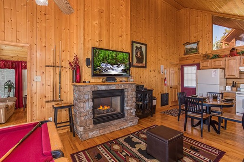 Photo of a Pigeon Forge Cabin named I Do - This is the third photo in the set.