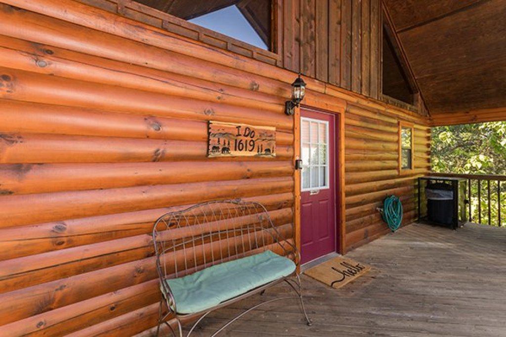 Photo of a Pigeon Forge Cabin named I Do - This is the second photo in the set.