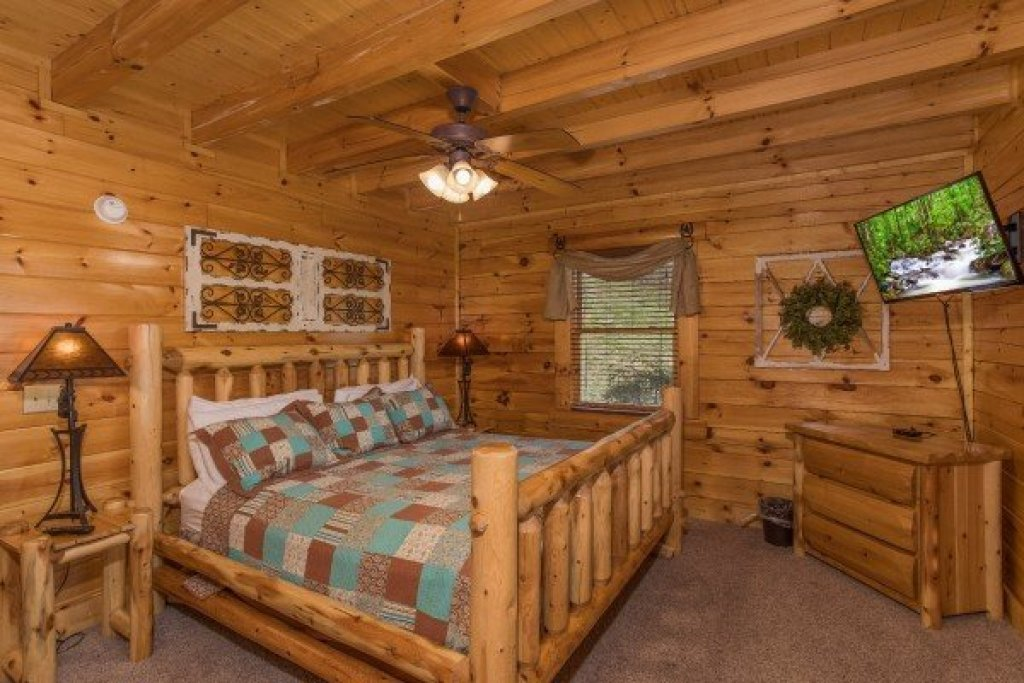 Photo of a Sevierville Cabin named Mountain View Meadows - This is the thirteenth photo in the set.