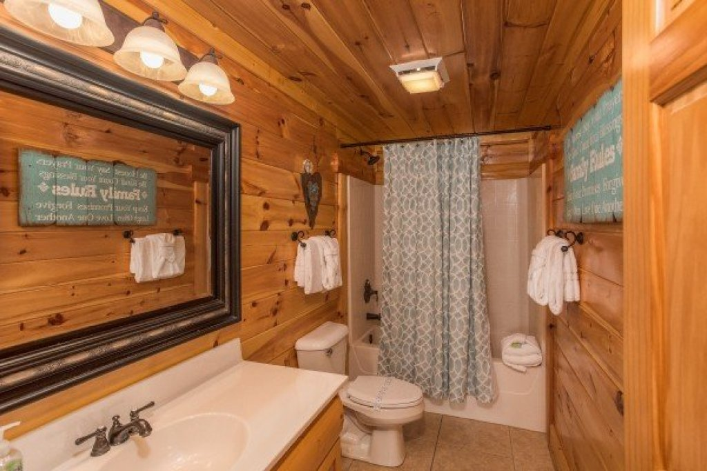 Photo of a Sevierville Cabin named Mountain View Meadows - This is the twenty-ninth photo in the set.