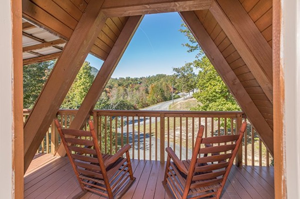Photo of a Sevierville Cabin named Living On Love - This is the twenty-first photo in the set.