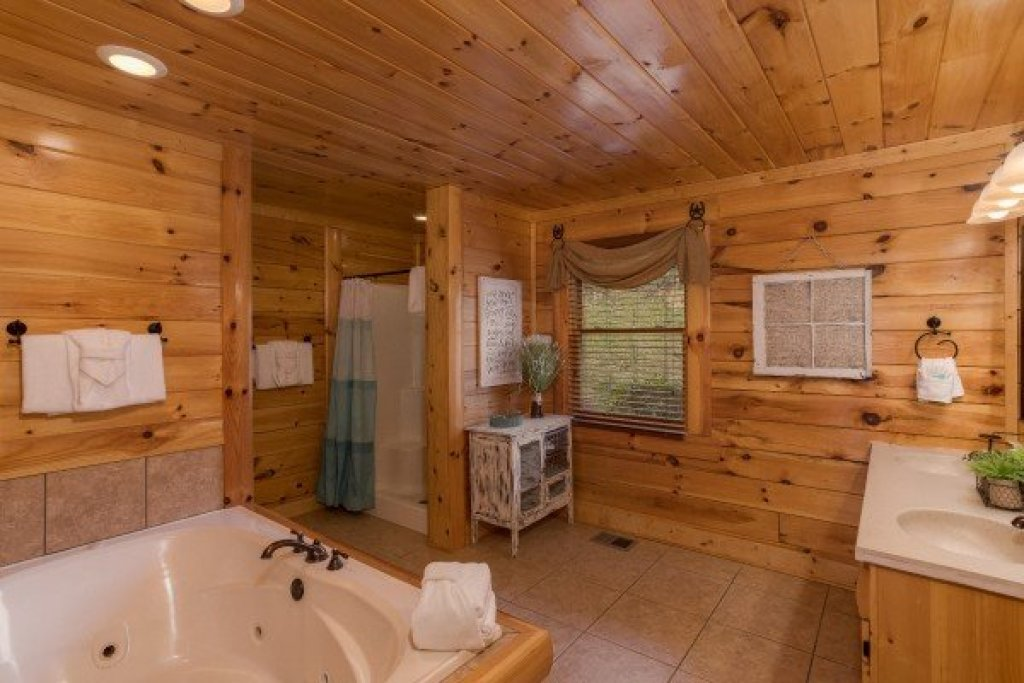 Photo of a Sevierville Cabin named Mountain View Meadows - This is the fifteenth photo in the set.