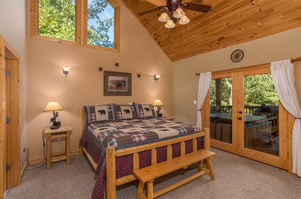 Photo of a Sevierville Cabin named Mountain Valley Hideaway - This is the fifteenth photo in the set.