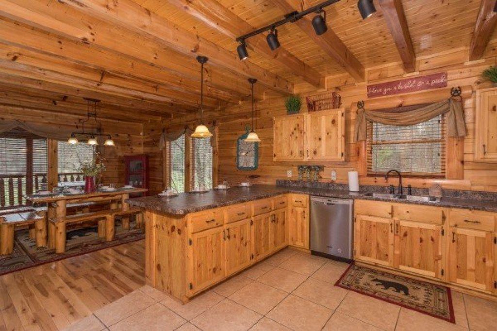 Photo of a Sevierville Cabin named Mountain View Meadows - This is the eleventh photo in the set.