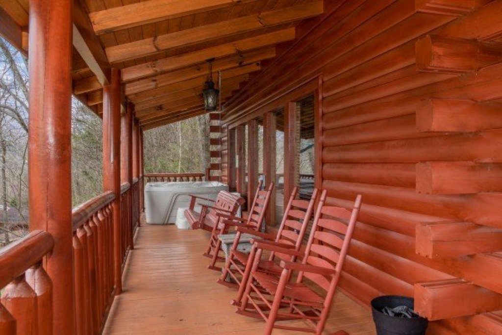 Photo of a Sevierville Cabin named Mountain View Meadows - This is the nineteenth photo in the set.