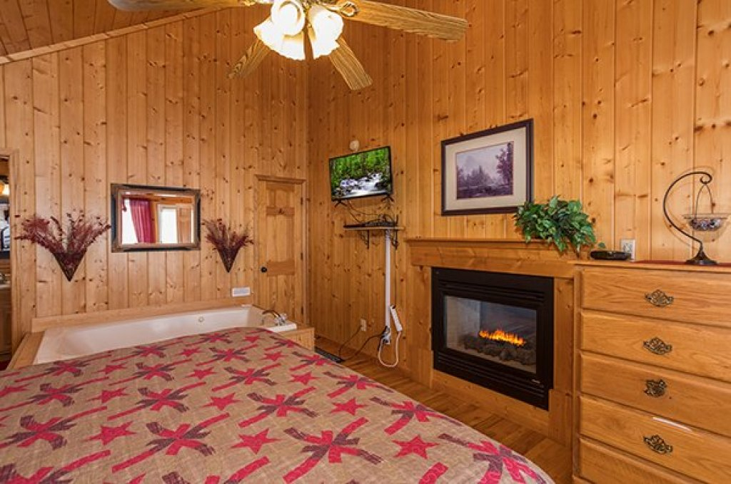 Photo of a Pigeon Forge Cabin named I Do - This is the ninth photo in the set.
