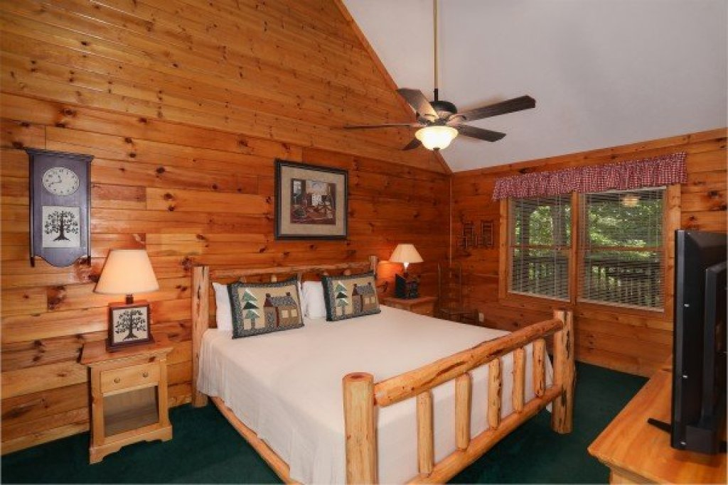 Photo of a Pigeon Forge Cabin named Timber Creek - This is the nineteenth photo in the set.