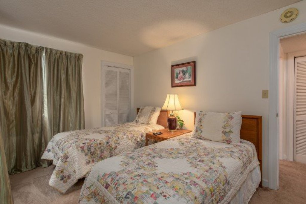 Photo of a Gatlinburg Condo named Summit Condo 1208 - This is the eighth photo in the set.