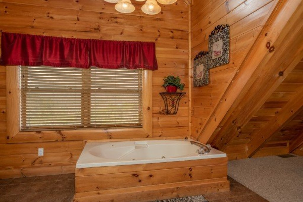 Photo of a Sevierville Cabin named Better View - This is the sixteenth photo in the set.