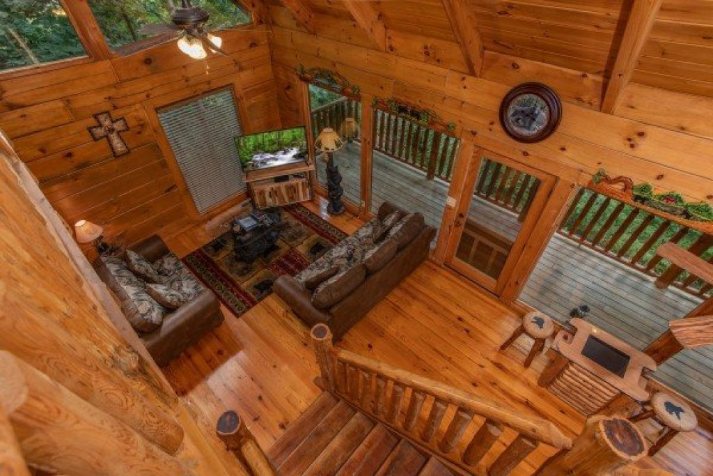 Photo of a Pigeon Forge Cabin named Honey Bear Cottage - This is the ninth photo in the set.