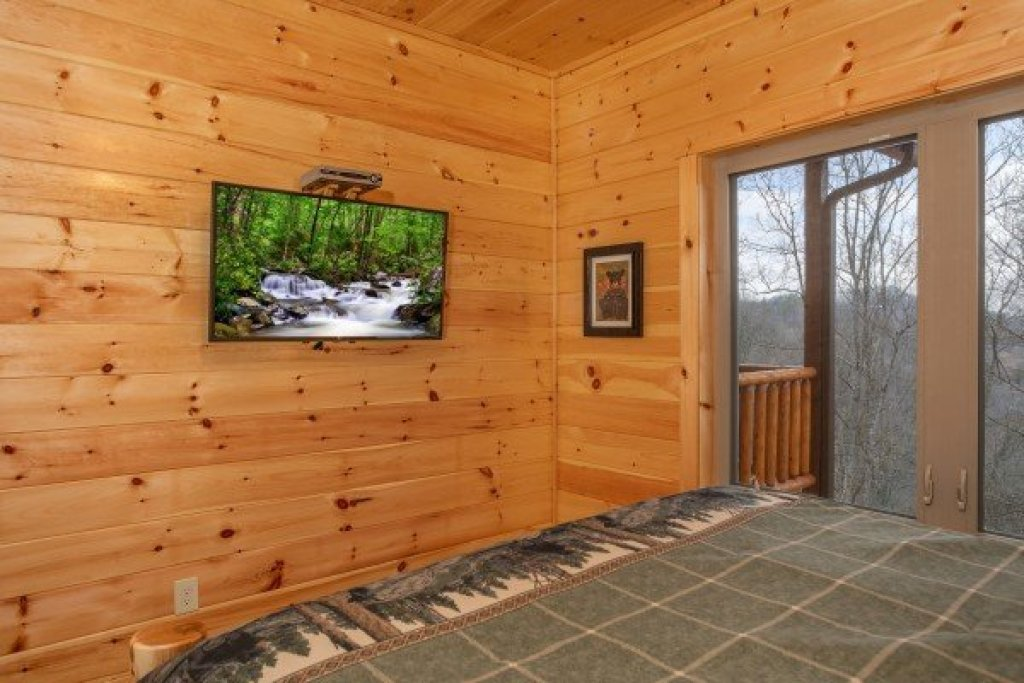 Photo of a Gatlinburg Cabin named Happy Bear's Hideaway - This is the nineteenth photo in the set.