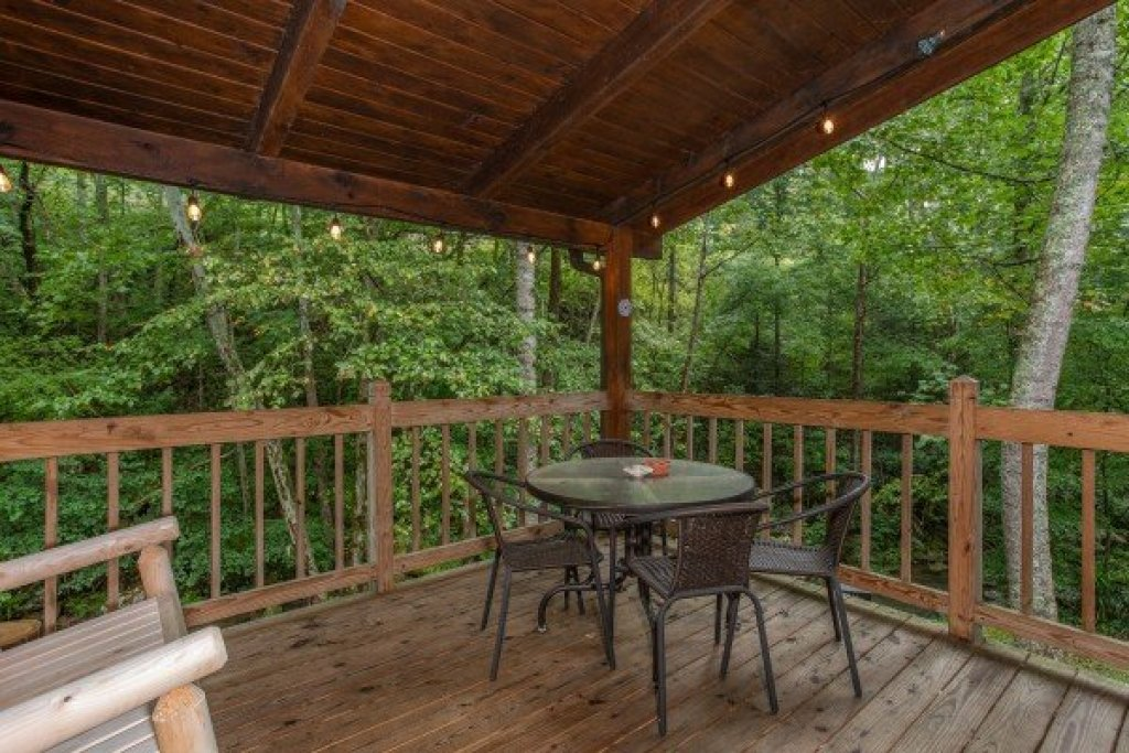 Photo of a Sevierville Cabin named Stream On! - This is the tenth photo in the set.