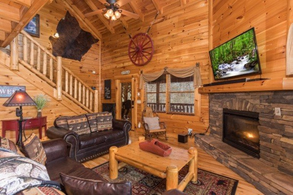 Photo of a Sevierville Cabin named Mountain View Meadows - This is the sixth photo in the set.