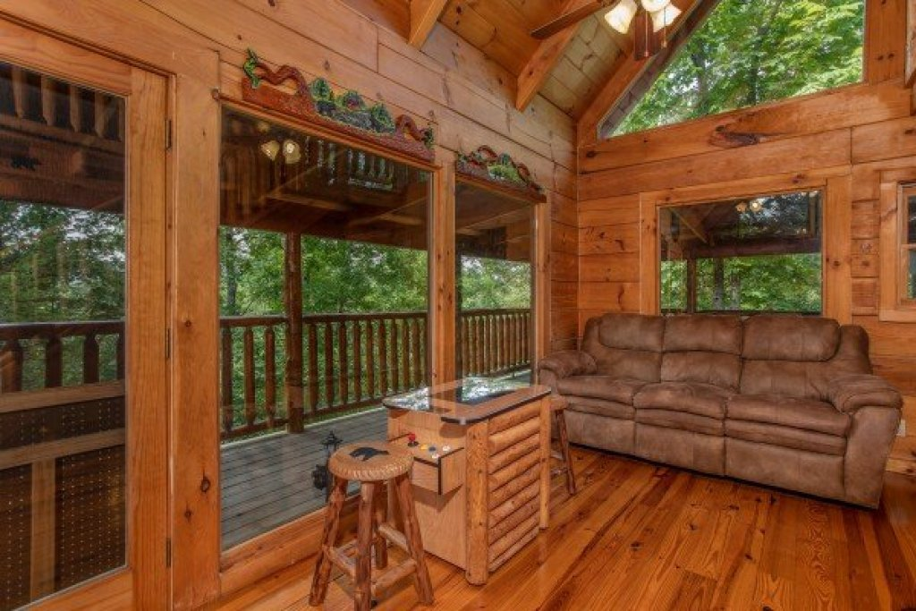 Photo of a Pigeon Forge Cabin named Honey Bear Cottage - This is the fifth photo in the set.