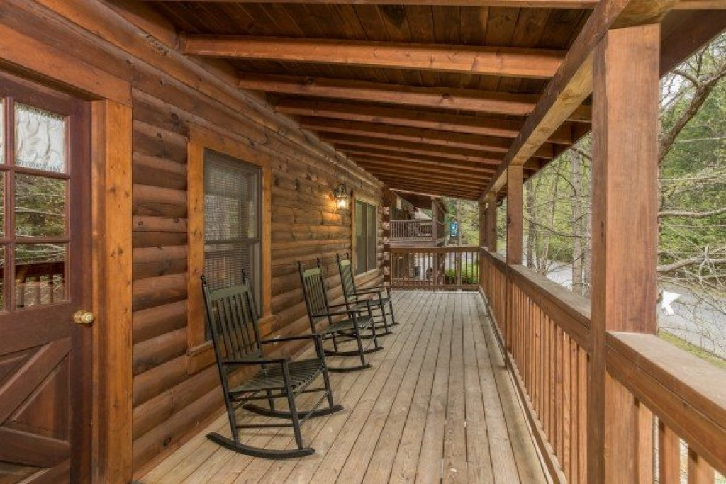 Photo of a Pigeon Forge Cabin named Timber Creek - This is the thirteenth photo in the set.