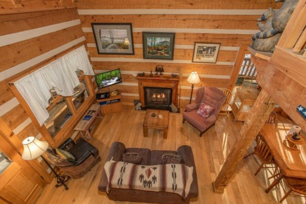 Photo of a Gatlinburg Cabin named Sassafras Lodge - This is the thirteenth photo in the set.