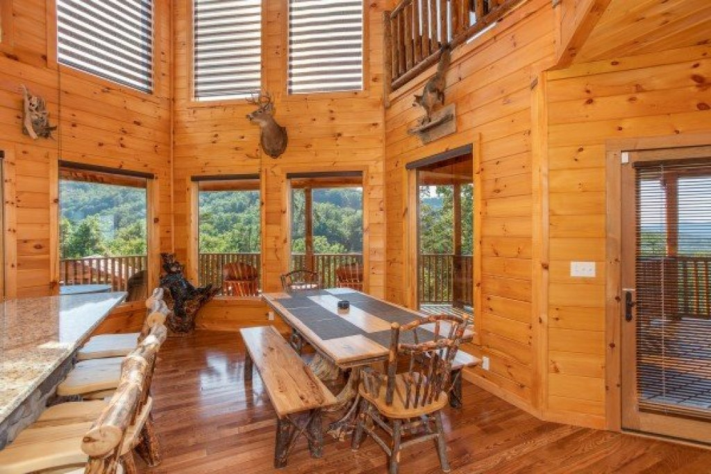 Photo of a Sevierville Cabin named Four Seasons Palace - This is the tenth photo in the set.