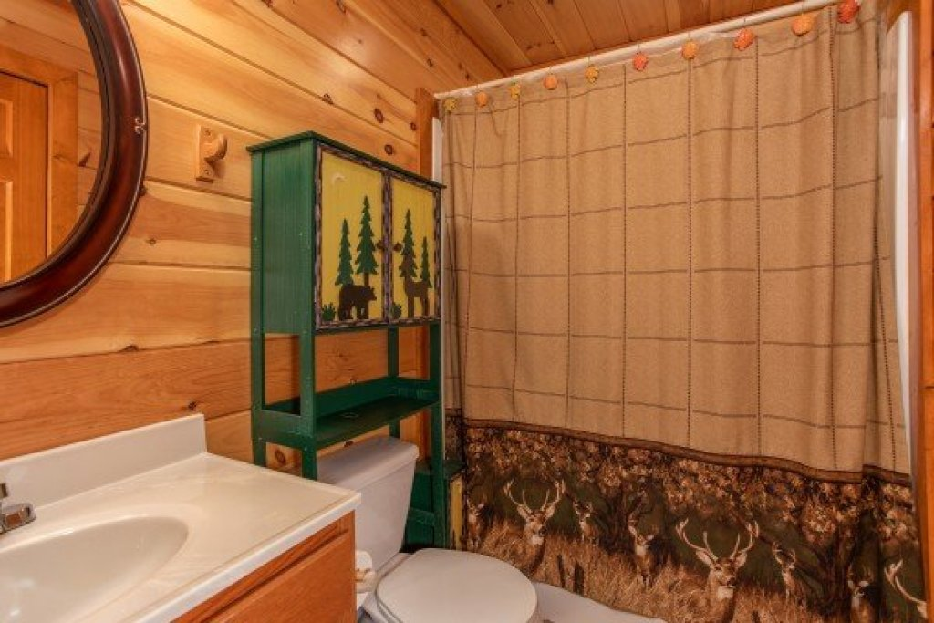Photo of a Sevierville Cabin named Pool'n Around In The Smokies - This is the thirteenth photo in the set.