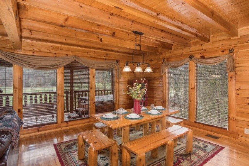 Photo of a Sevierville Cabin named Mountain View Meadows - This is the seventh photo in the set.