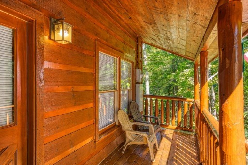 Photo of a Gatlinburg Cabin named Mountain Life - This is the second photo in the set.