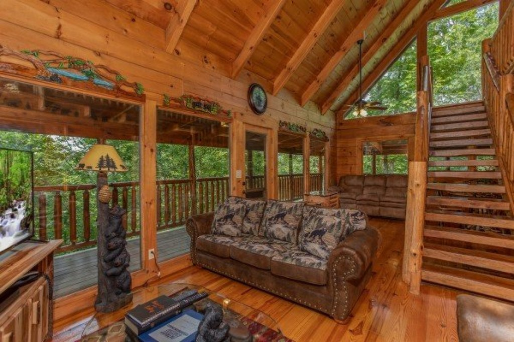 Photo of a Pigeon Forge Cabin named Honey Bear Cottage - This is the fourth photo in the set.