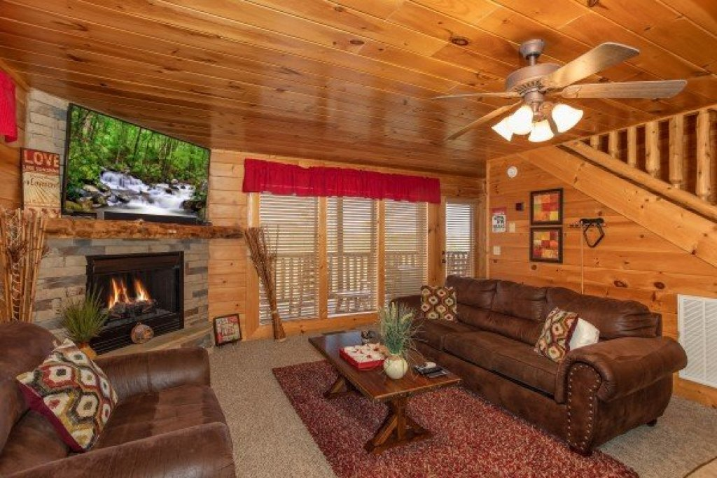 Photo of a Sevierville Cabin named Better View - This is the twentieth photo in the set.