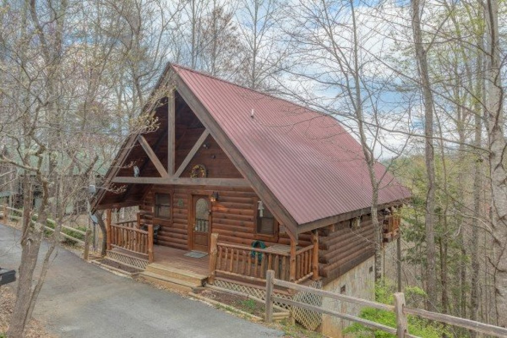 Photo of a Gatlinburg Cabin named Woodland Chalet - This is the first photo in the set.