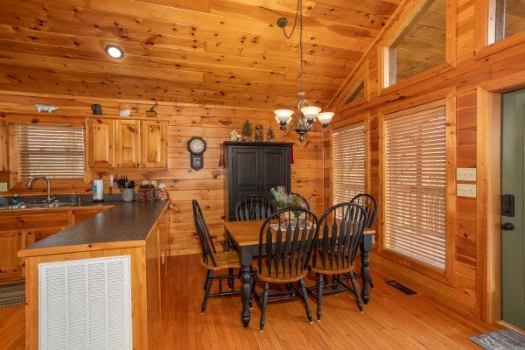 Photo of a Sevierville Cabin named Secluded View - This is the sixth photo in the set.