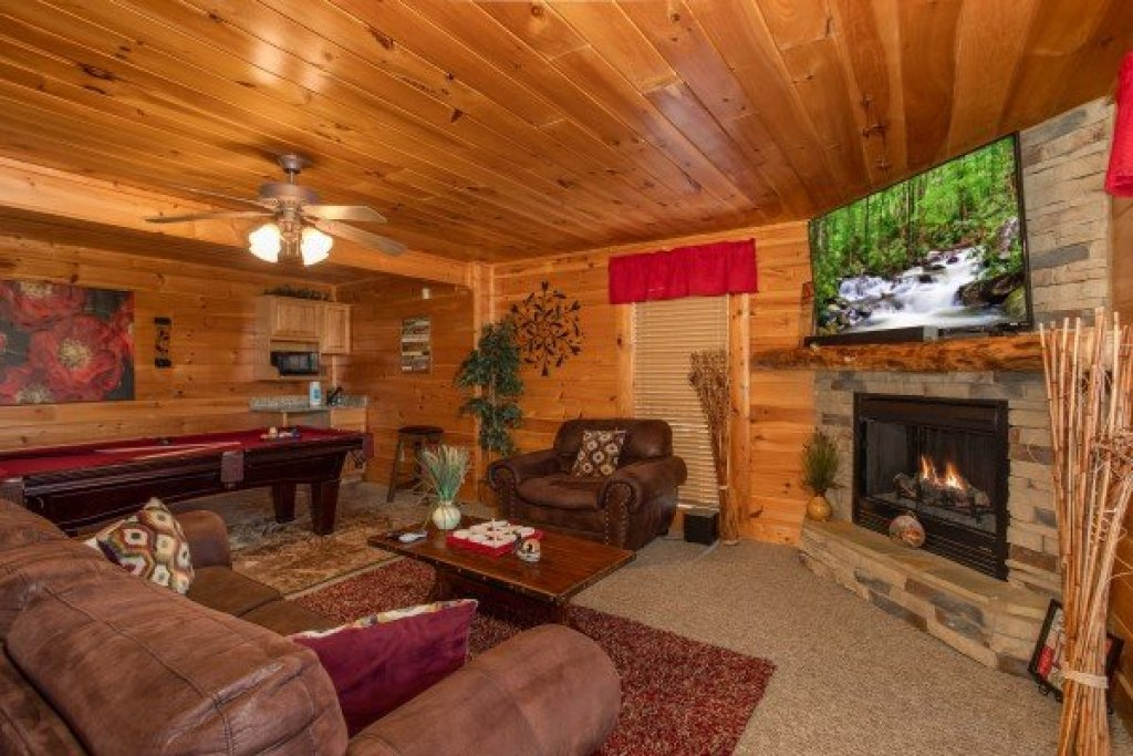 Photo of a Sevierville Cabin named Better View - This is the nineteenth photo in the set.
