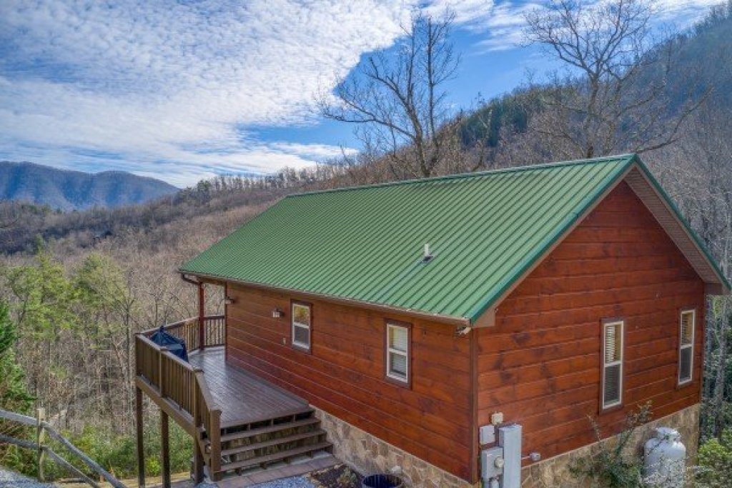 Photo of a Sevierville Cabin named Secluded View - This is the third photo in the set.