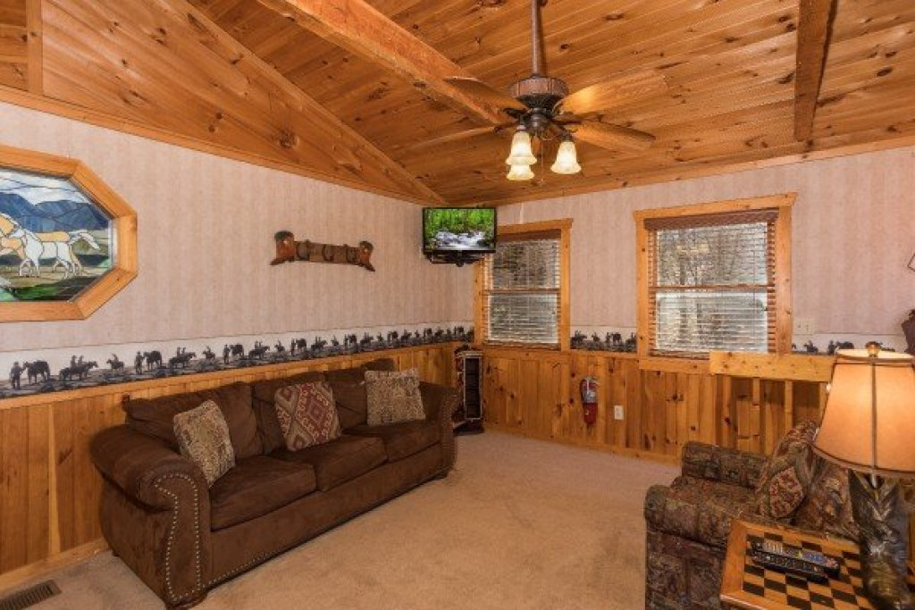 Photo of a Pigeon Forge Cabin named Hooked On Cowboys Lodge - This is the fifteenth photo in the set.