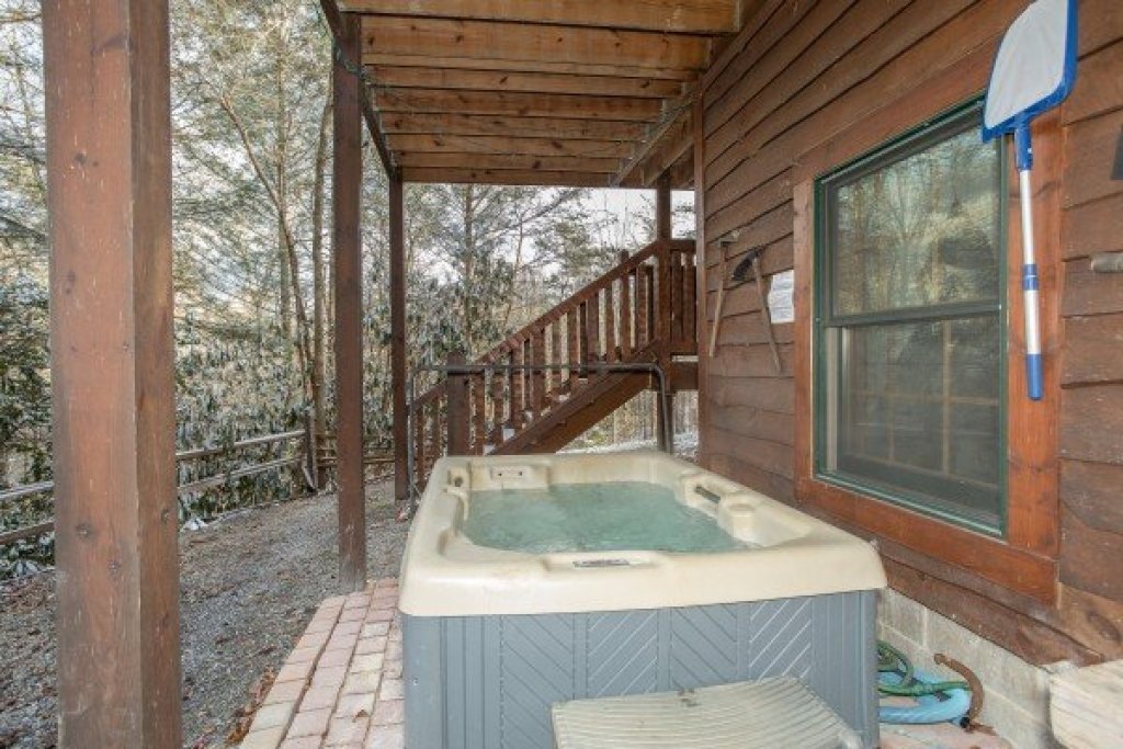 Photo of a Gatlinburg Cabin named Sassafras Lodge - This is the twenty-first photo in the set.