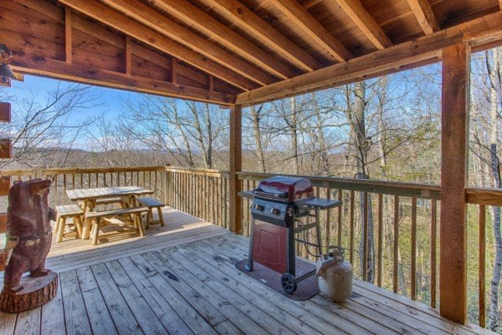 Photo of a Pigeon Forge Cabin named Hooked On Cowboys Lodge - This is the seventeenth photo in the set.