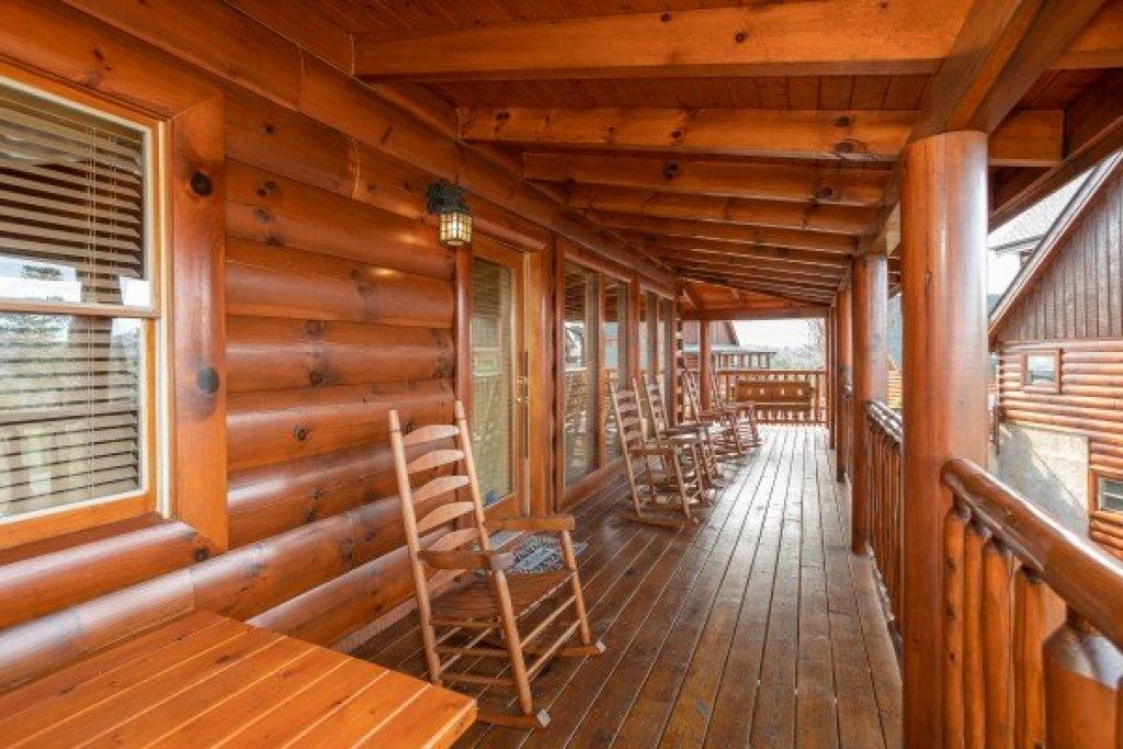 Photo of a Sevierville Cabin named Better View - This is the twenty-eighth photo in the set.