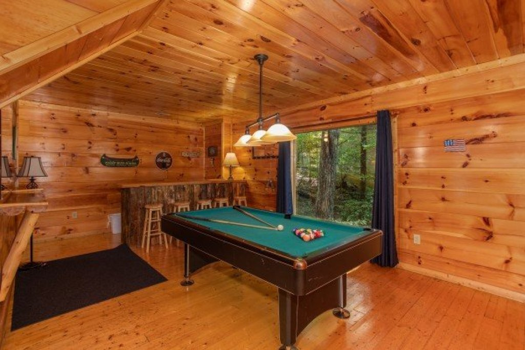 Photo of a Gatlinburg Cabin named Mountain Life - This is the eighth photo in the set.
