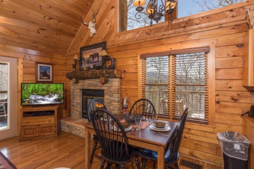 Photo of a Pigeon Forge Cabin named Hooked On Cowboys Lodge - This is the fifth photo in the set.