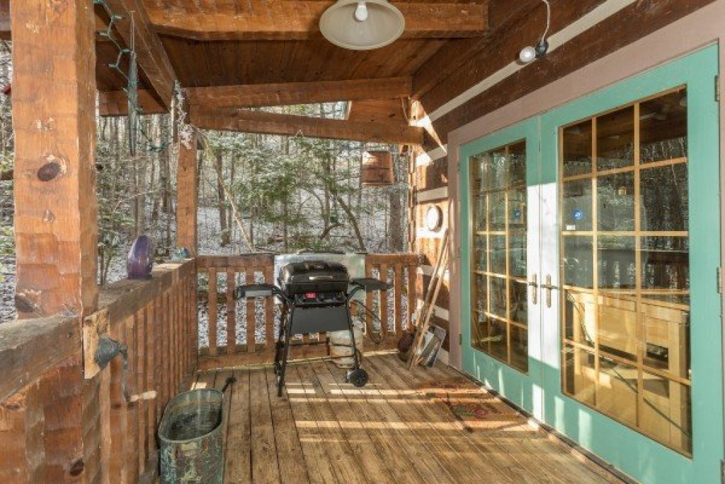 Photo of a Gatlinburg Cabin named Sassafras Lodge - This is the seventh photo in the set.