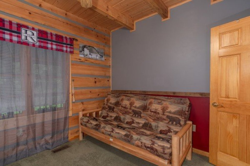 Photo of a Sevierville Cabin named Stream On! - This is the seventeenth photo in the set.