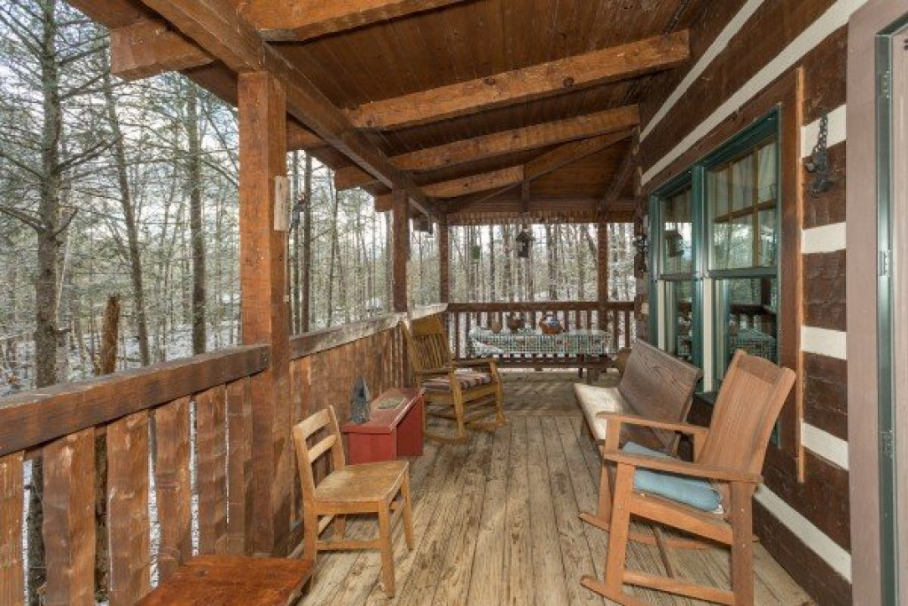 Photo of a Gatlinburg Cabin named Sassafras Lodge - This is the nineteenth photo in the set.