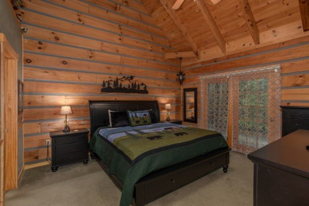 Photo of a Sevierville Cabin named Stream On! - This is the twenty-ninth photo in the set.