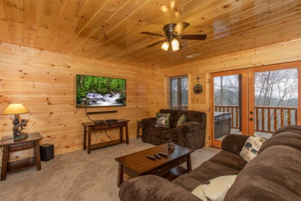 Photo of a Gatlinburg Cabin named Happy Bear's Hideaway - This is the seventeenth photo in the set.