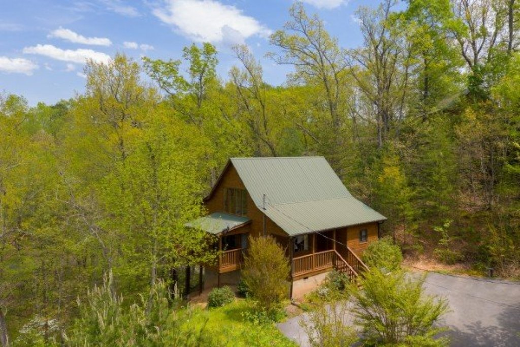 Photo of a Pigeon Forge Cabin named Hillside Haven - This is the eighteenth photo in the set.