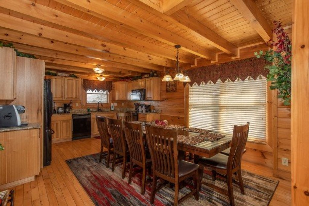 Photo of a Sevierville Cabin named Better View - This is the fifth photo in the set.